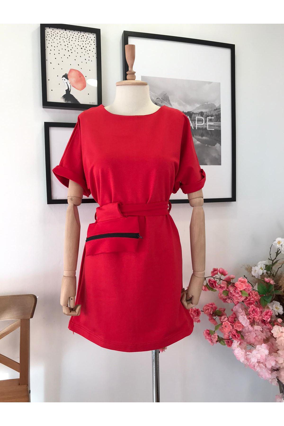 Çanta Aksesuarlı Mini Elbise KIRMIZI
