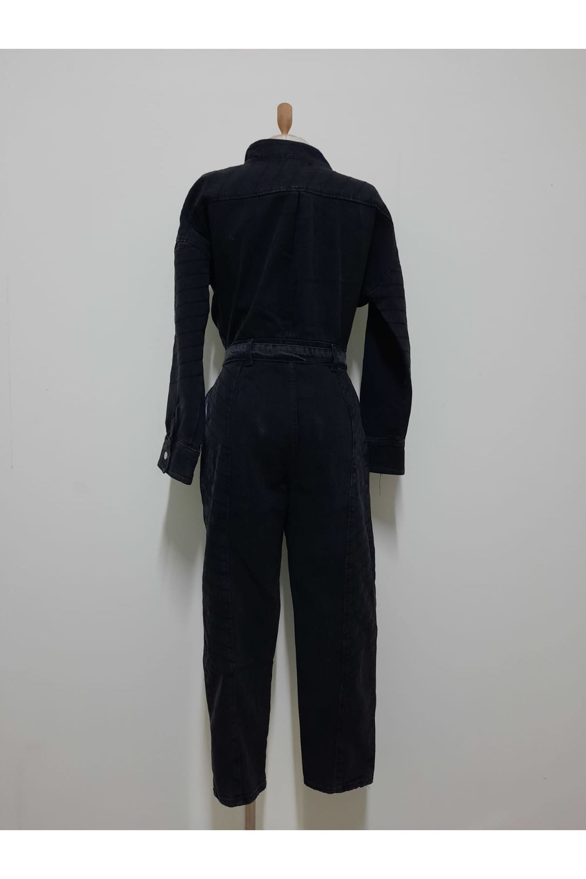 Yaka Detaylı Kravuze Kot Tulum - siyah