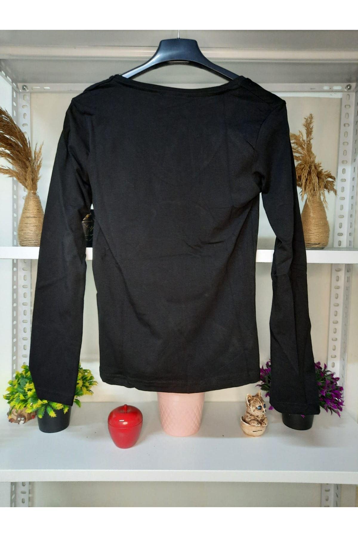 Rozetli V Yaka Bluz - siyah