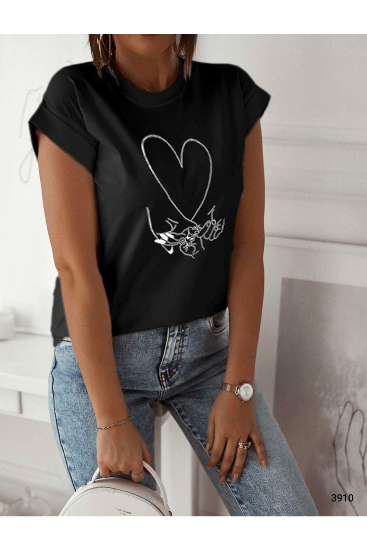 Kalp Baskılı T-shirt  - siyah