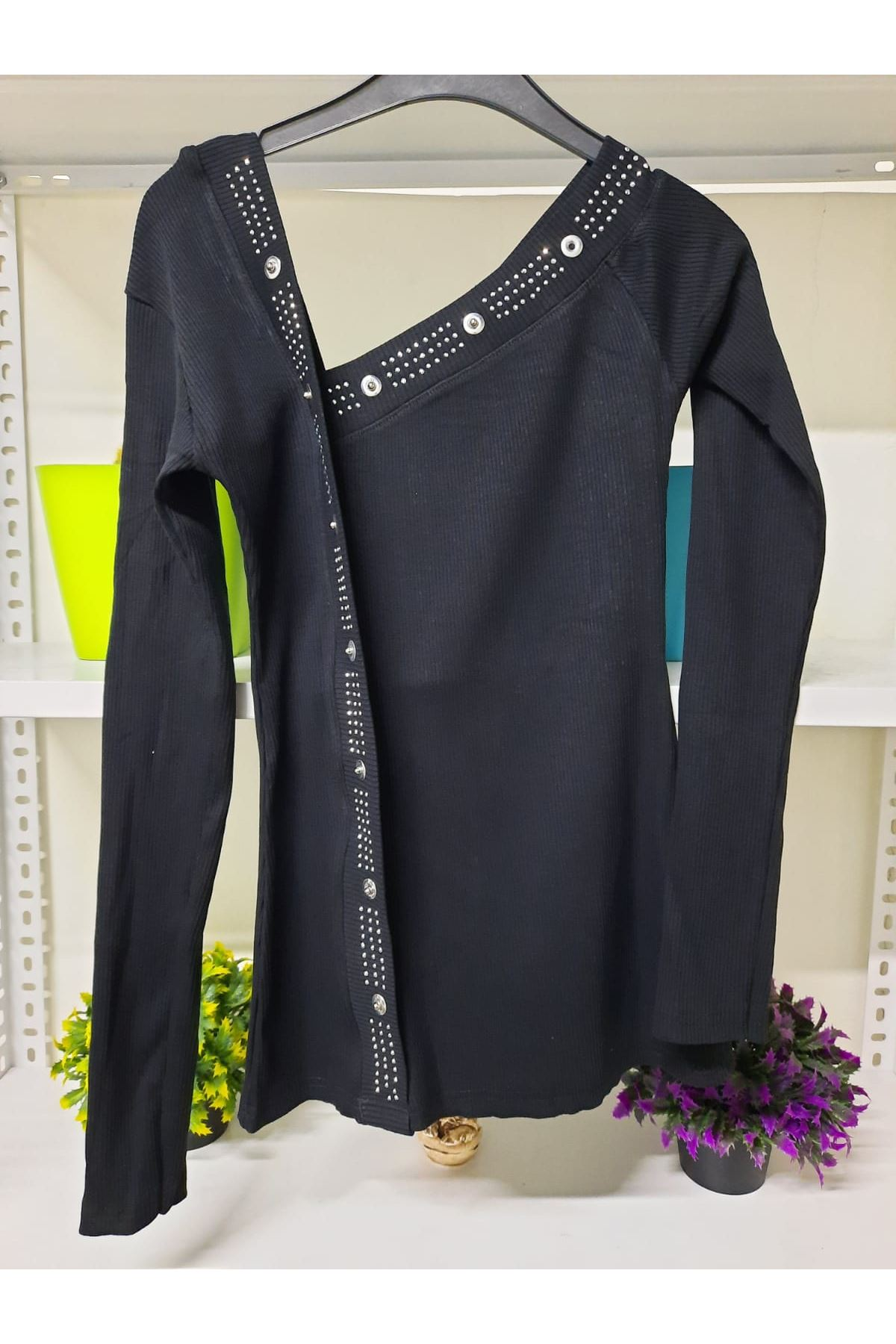 Taş Detaylı Tek Omuz Bluz - siyah