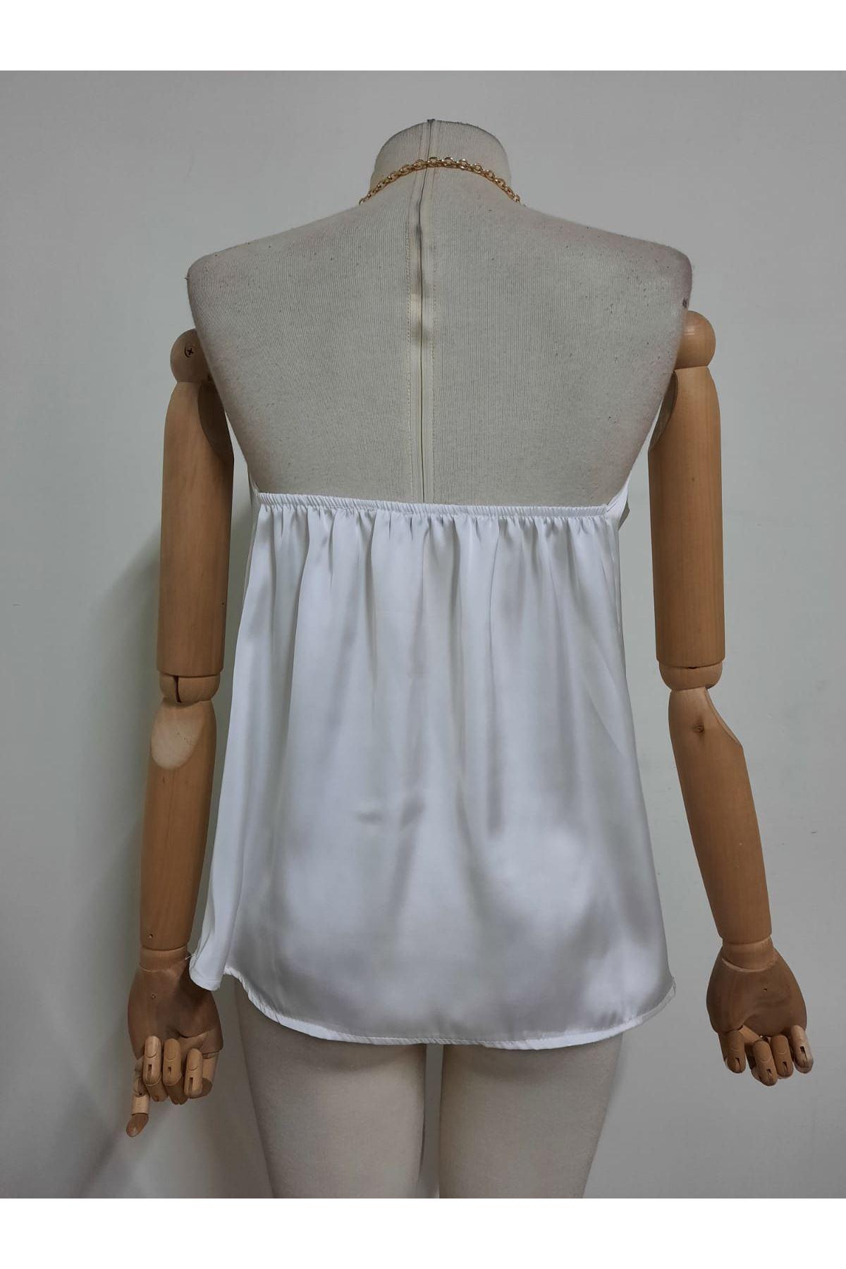 Zincir Askılı Saten Bluz - beyaz