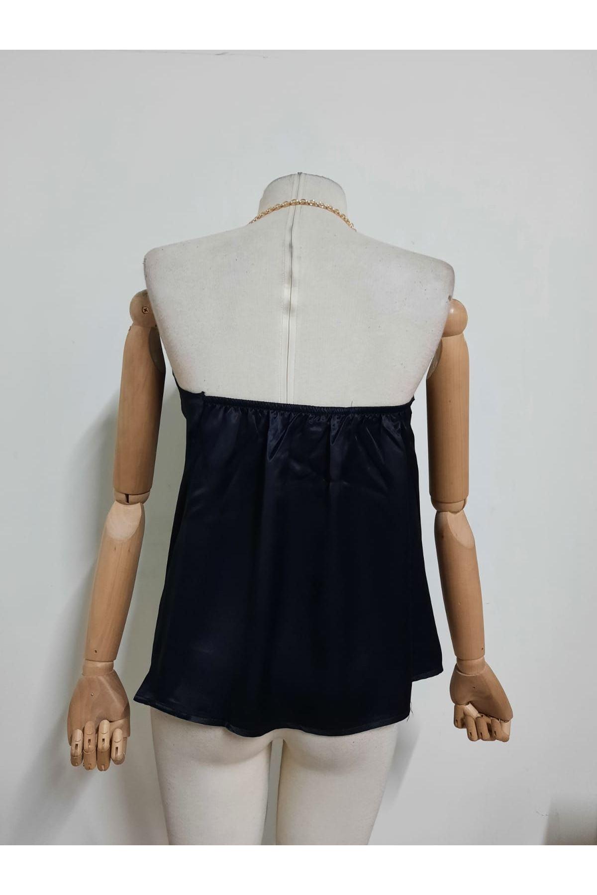 Zincir Askılı Saten Bluz - siyah