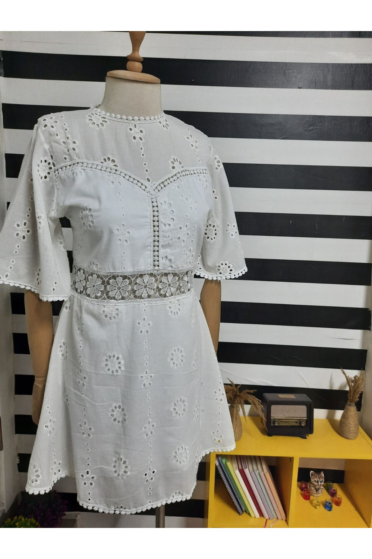 Fisto Astarlı Elbise - BEYAZ