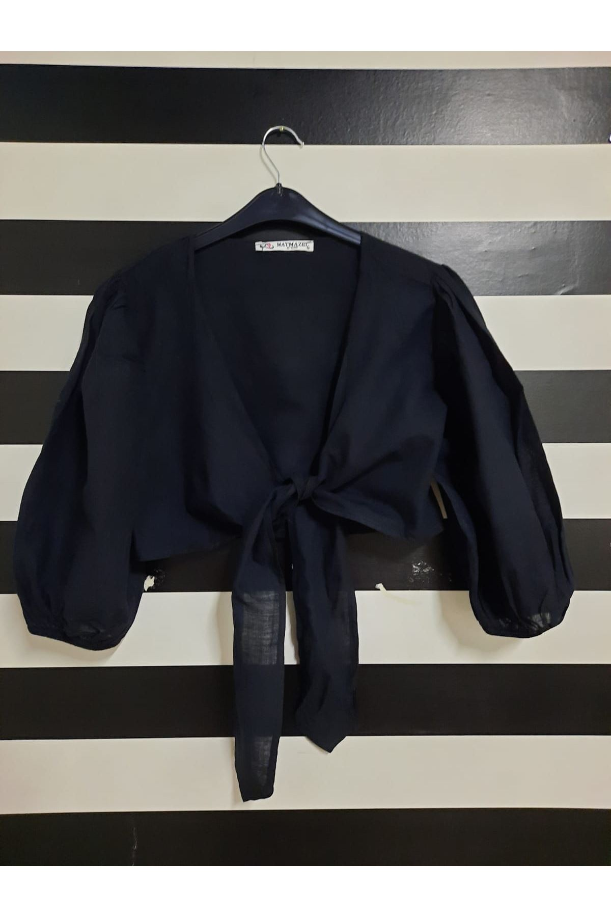 Fiyonk Detaylı Bluz - SİYAH