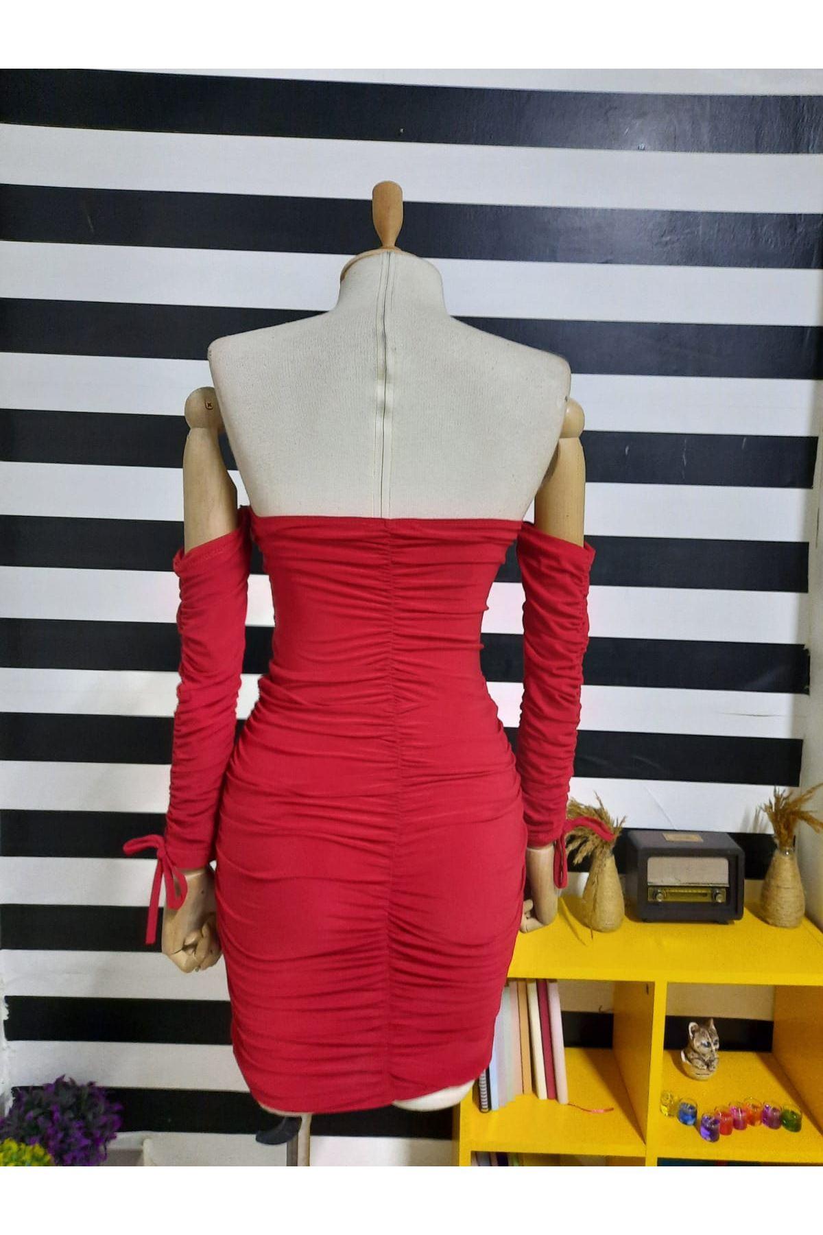 Dekolte Detaylı Drapeli Elbise - KIRMIZI