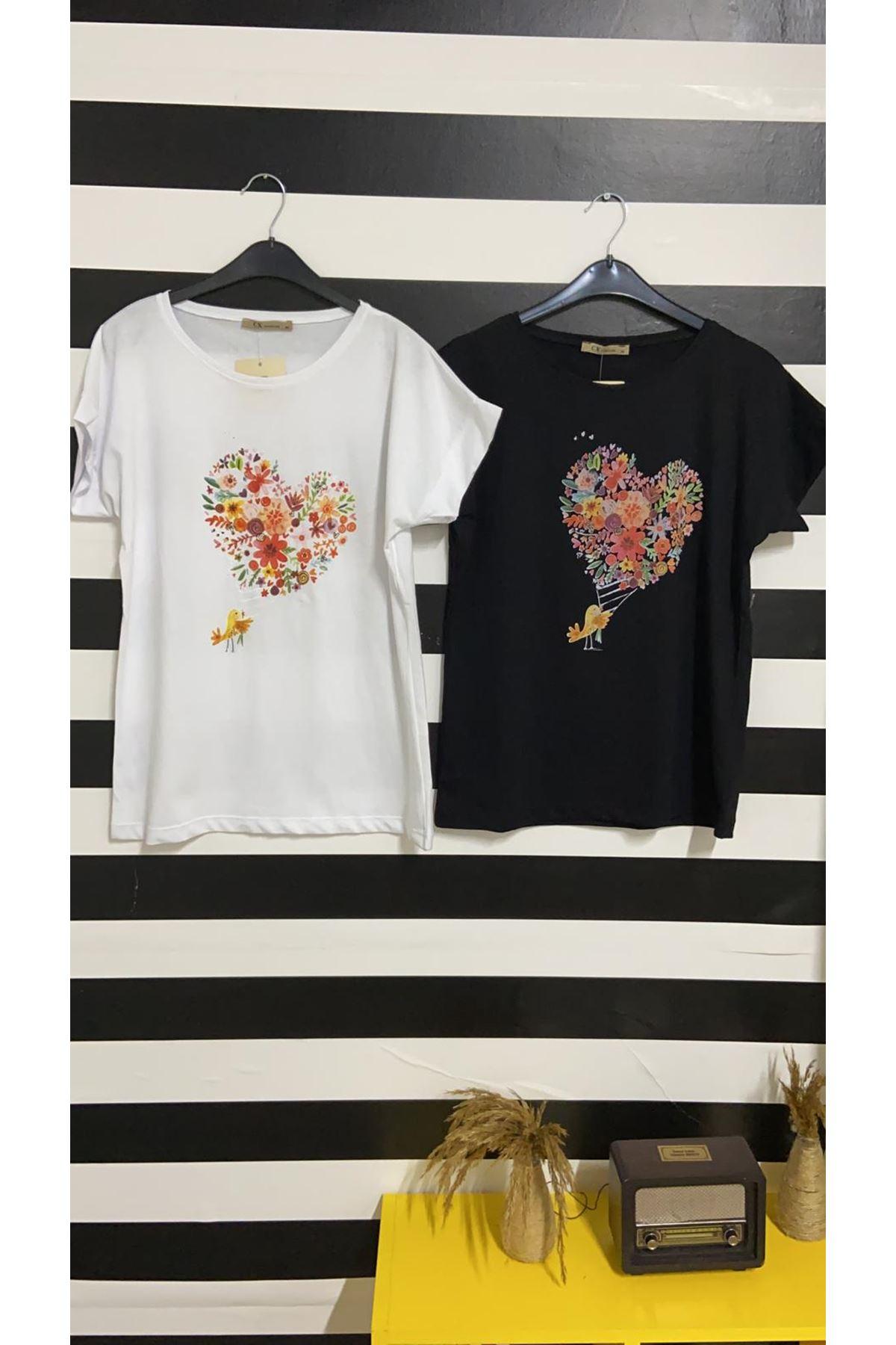 Çiçekli Kalp Baskılı Tshirt - SİYAH