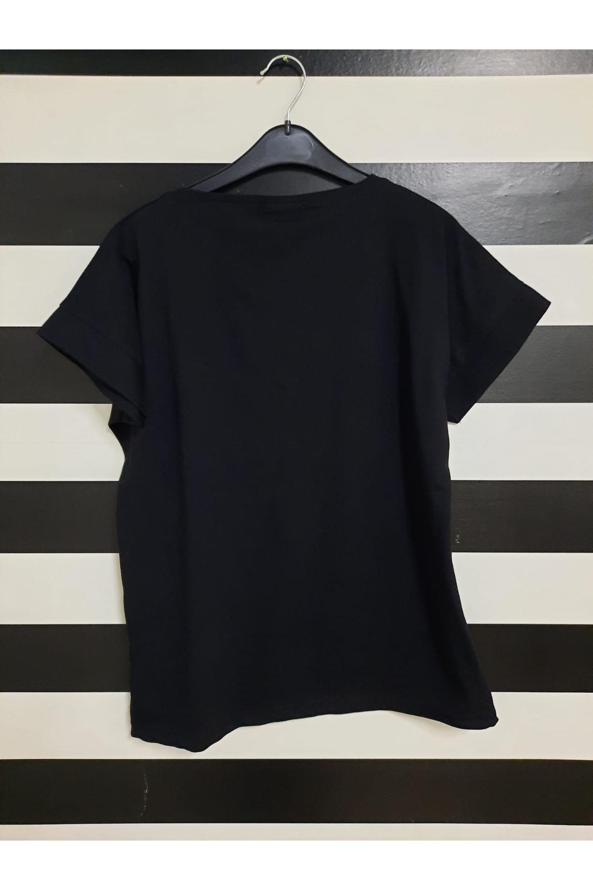 Kelebek Baskılı Tshirt - SİYAH