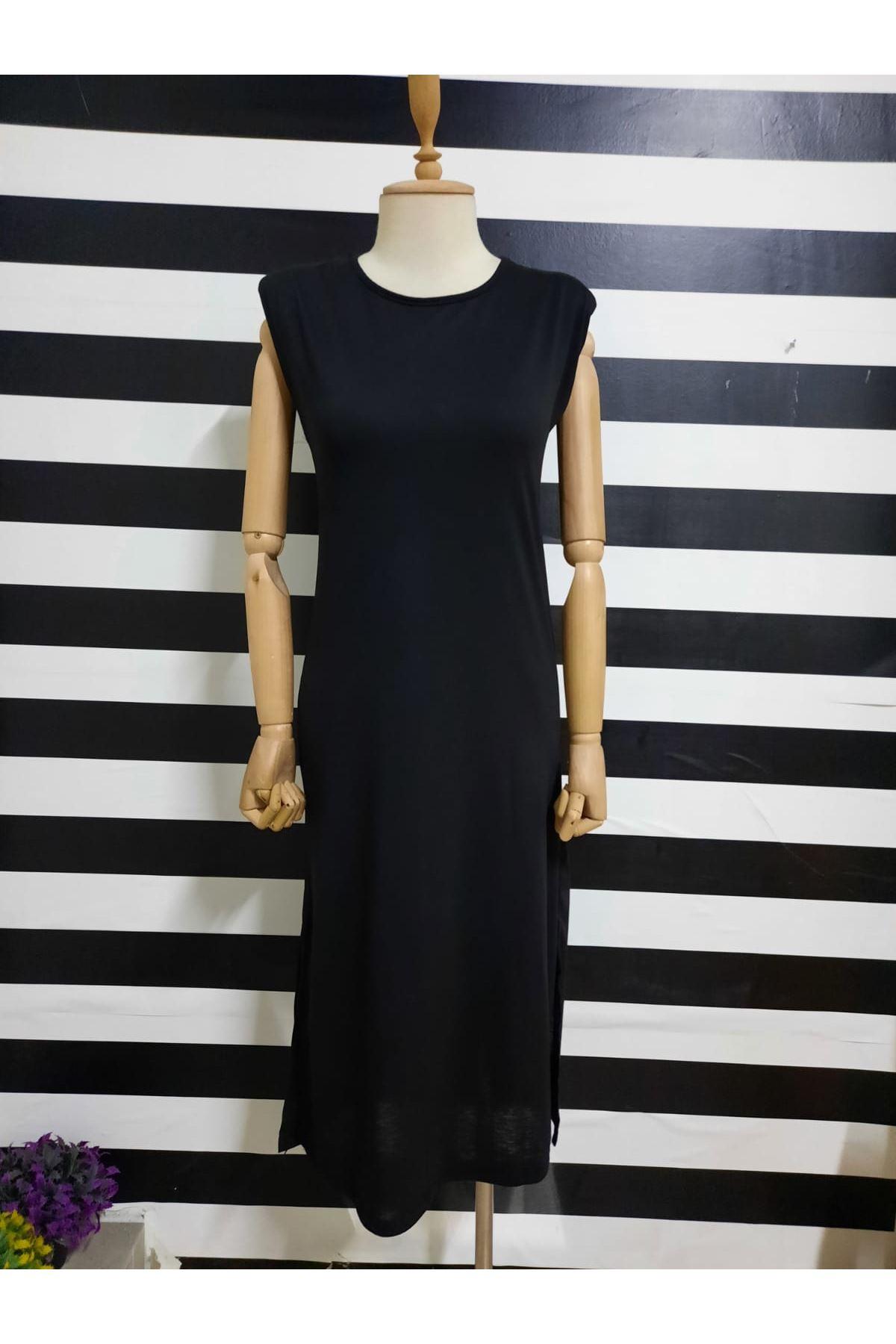 Omuz Vatkalı Yırtmaçlı Elbise - SİYAH