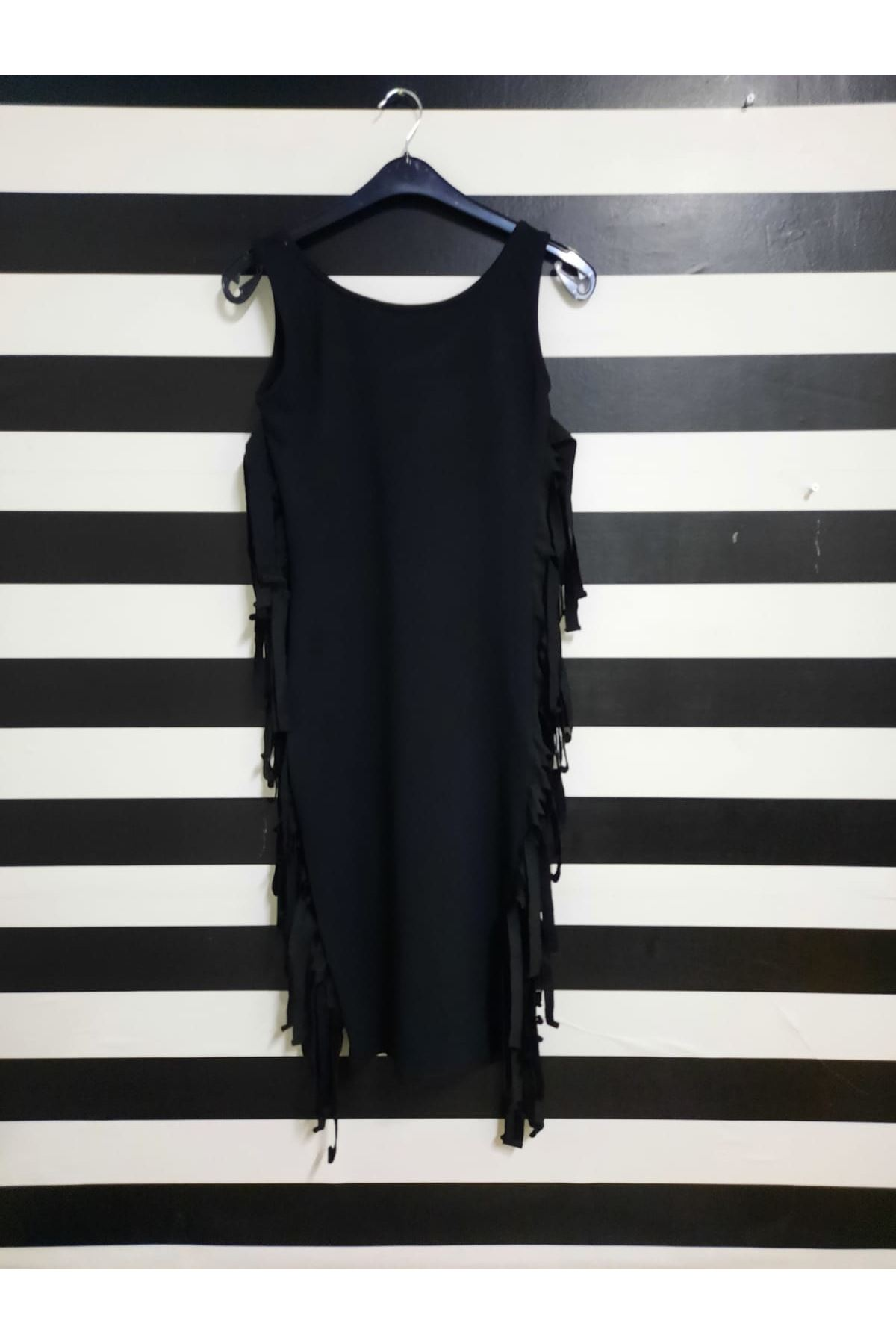 Püskül Detaylı İki İplik Elbise - SİYAH