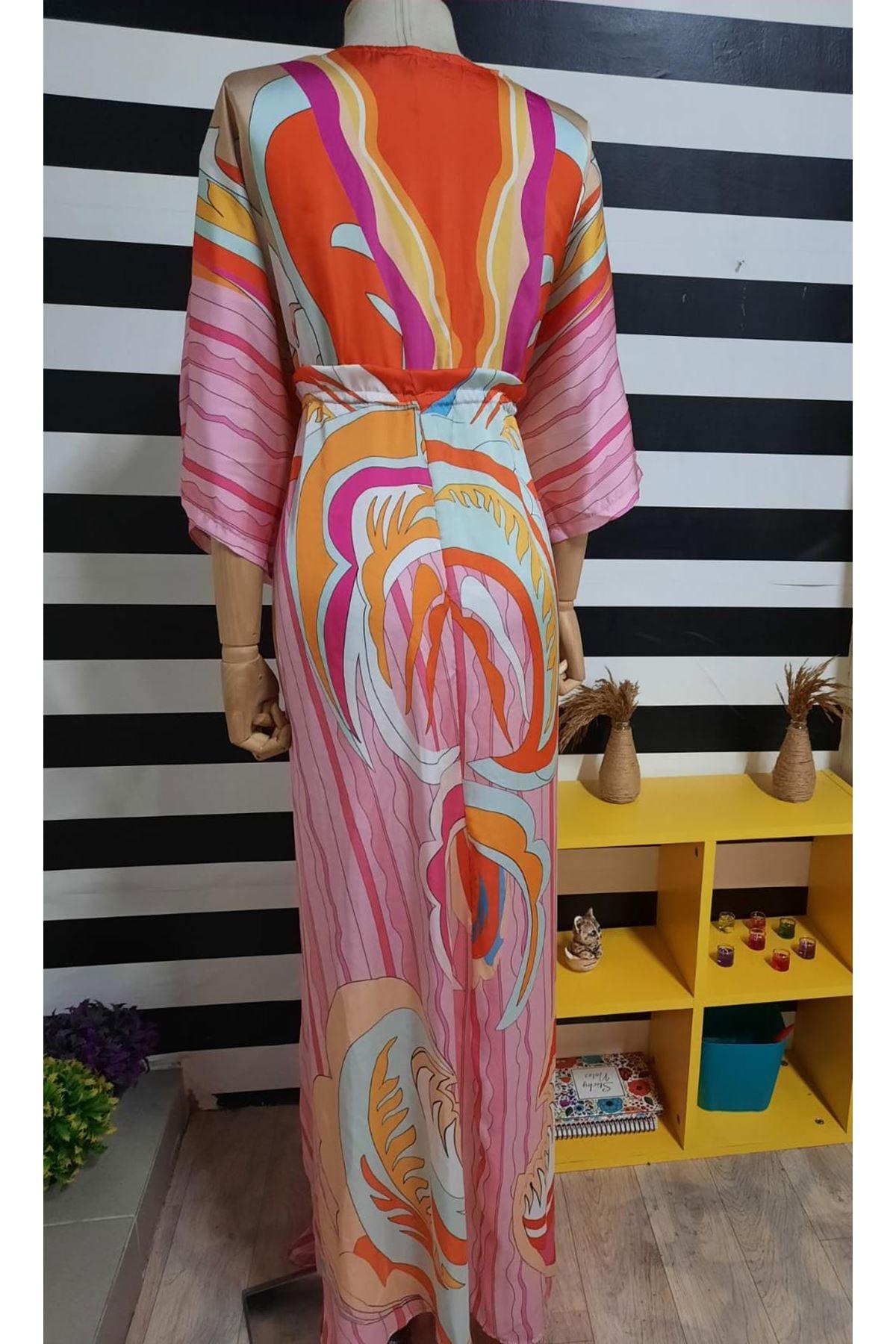 Yırtmaç Detaylı Saten Elbise - PUDRA