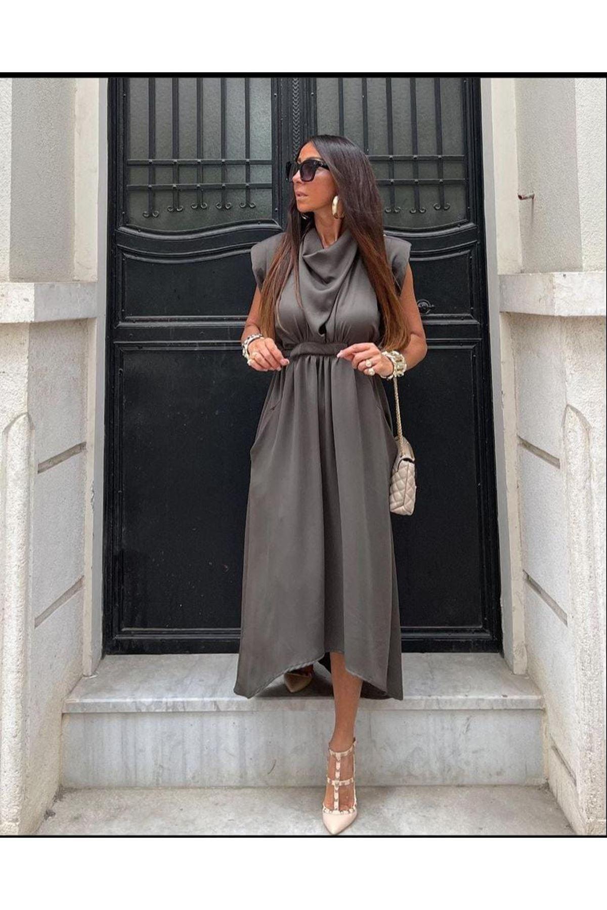 Omuz Vatkalı Saten Elbise - FÜME