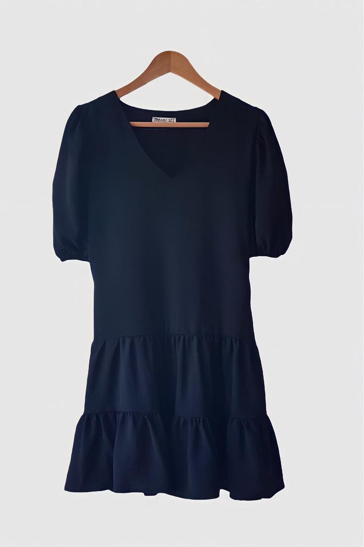 V Yaka Garnili Elbise - SİYAH
