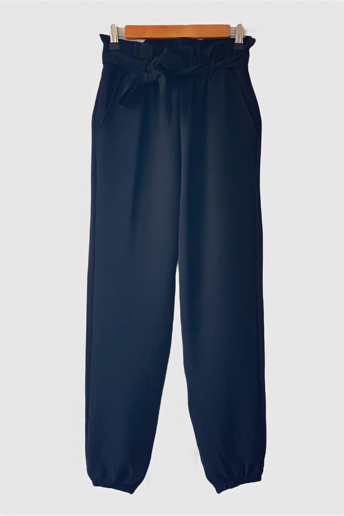 Kuşak Detaylı Jogger Pantolon - SİYAH