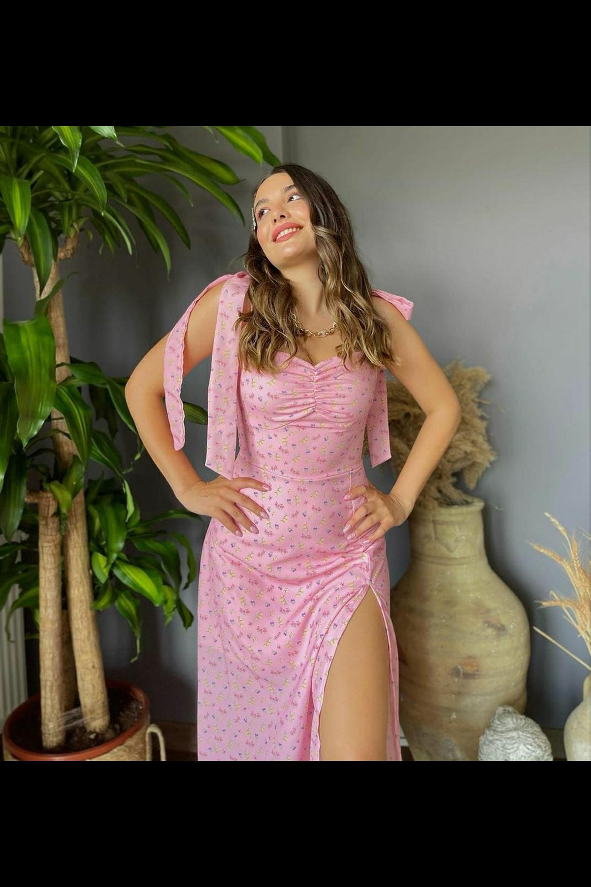 Yırtmaç Detaylı Omuz Bağlamalı Elbise - PUDRA