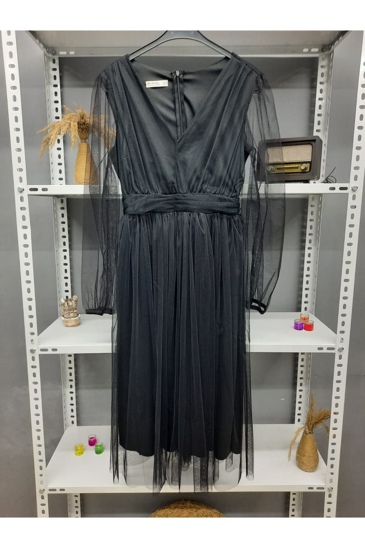 V Yaka Tül Midiboy Elbise - SİYAH