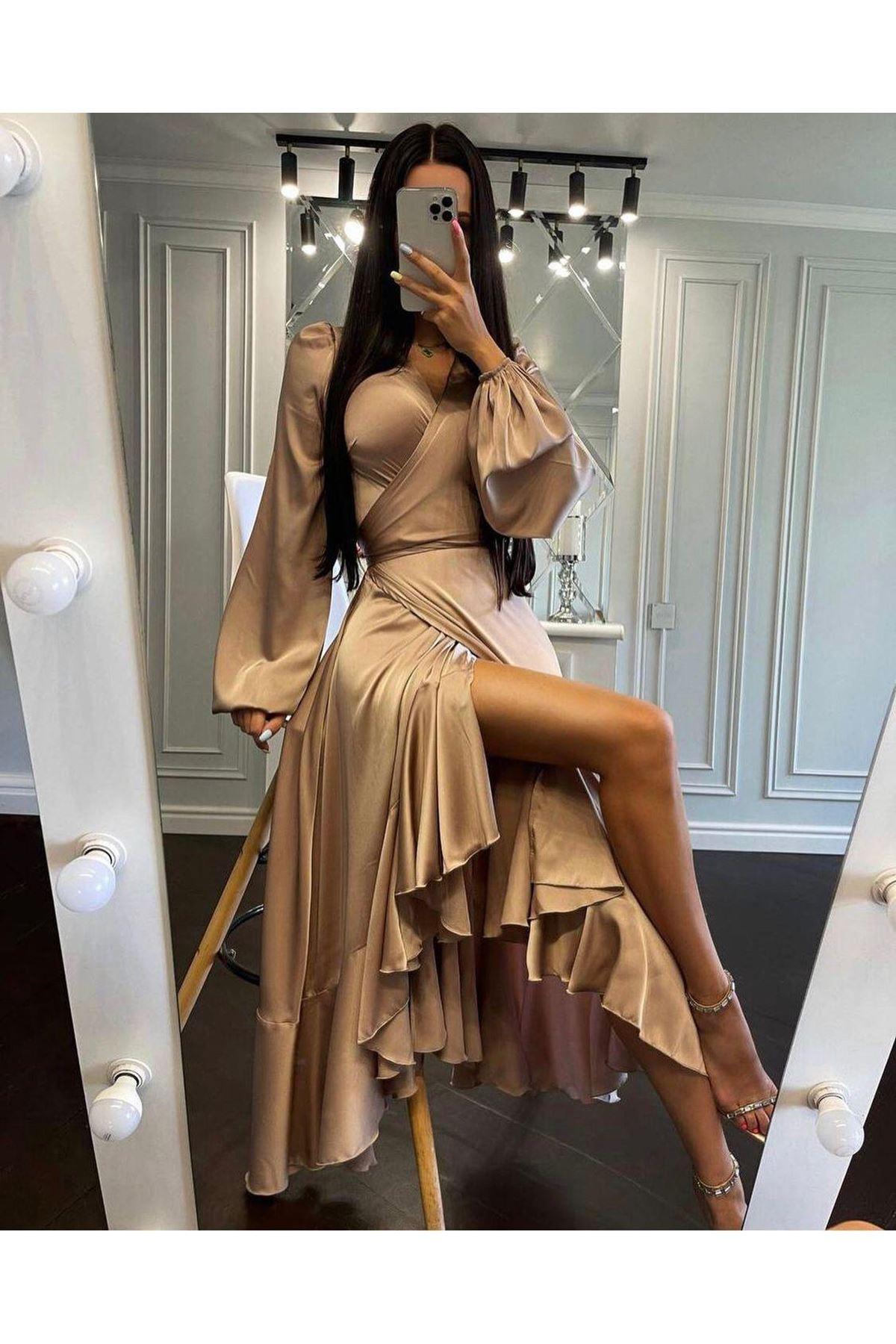 Püskül Detaylı Yırtmaçlı Saten Elbise - Vizon