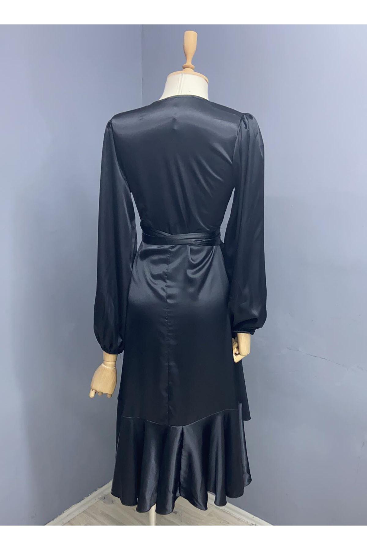 Püskül Detaylı Yırtmaçlı Saten Elbise - Siyah